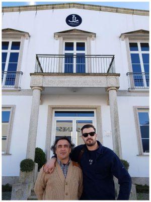 Devant les locaux de la Real Conservera Espagnola en Galice