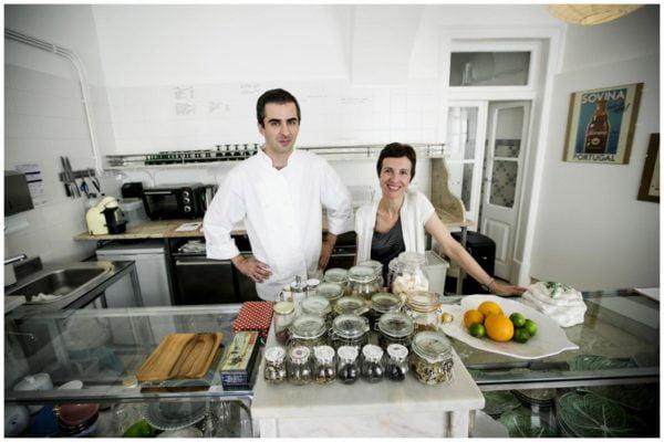 Tiago Feio et ses épices en cuisine