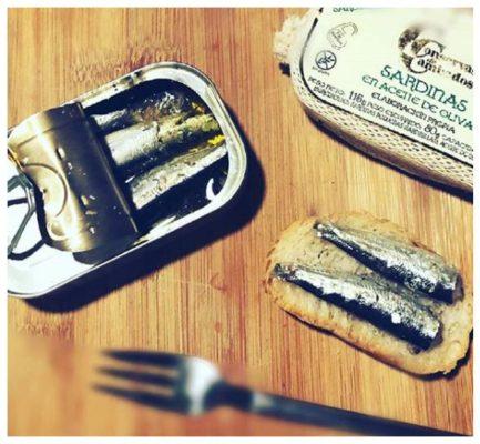 Sardinettes à l'huile d'olive présentation - Conserves de Cambados - Galice Espagne
