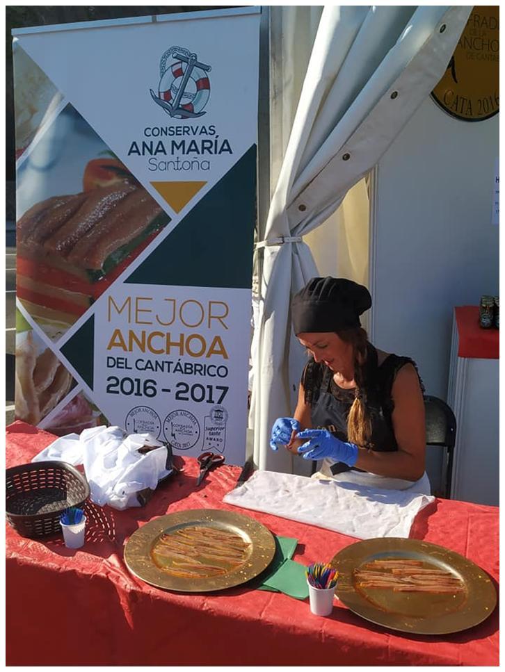 Travail méticuleux - Conserves Ana Maria - Conserves de la mer de Cantabrie Espagne