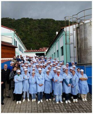 Equipe de la conserverie - Santa Catarina - Conserves de thon bonito des Açores